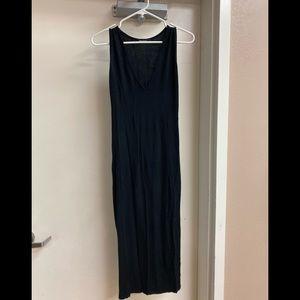 Basic v neck midi dress